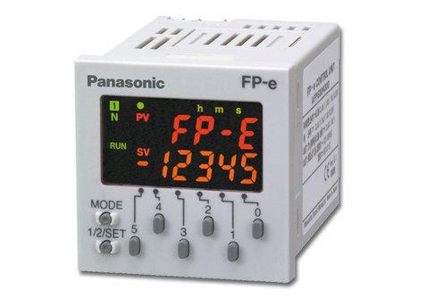 PLC pro sledování aktuálních dat a zpráv FP-e