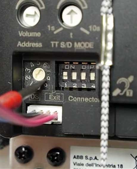 Praktický videoprůvodce ovládání kontaktů domovního videotelefonu ABB-Welcome Midi