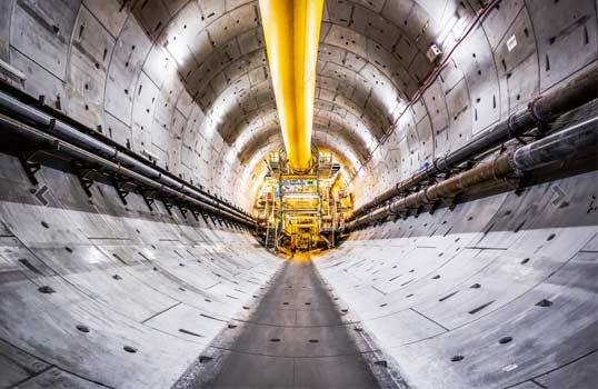 Průmyslové konektory EPIC byly použity při budování Gotthardského tunelu