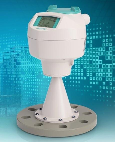 Radarový vysílač pro měření hladiny kapalin LR250